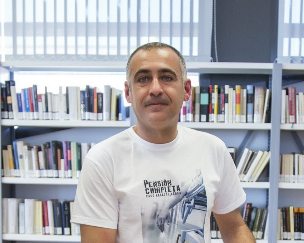 Paco Rabadán Aroca en la biblioteca pública