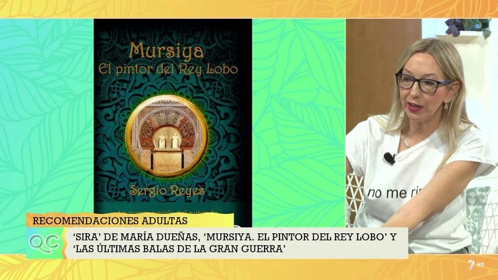 """Captura de Mariángeles Ibernón hablando de """"Mursiya. El pintor del Rey Lobo"""""""